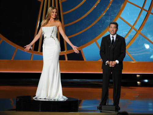 Sophia Vergara posed at the Emmys. Photo: Mario Anzuoni