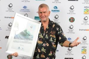 Phil winning his Surf Culture Award in 2010 (source: Australian surfing awards)
