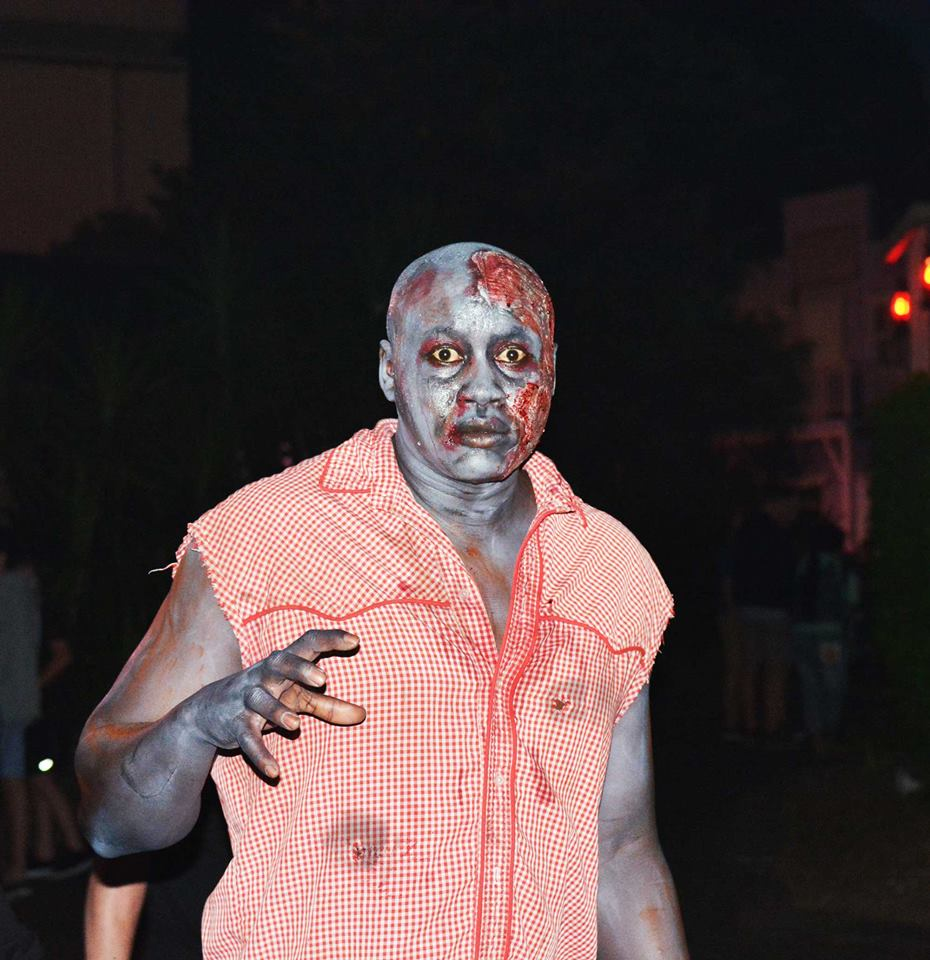 halloween mazes bring terror   world fright nights  source news