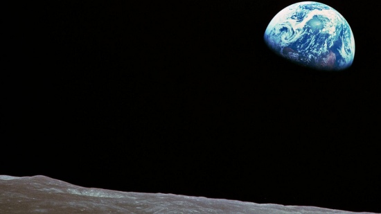 Earth rise. Photo: www.flickr.com