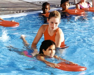 Child-learning-how-to-swim1