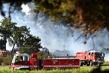 The raging fires are threatening 250 homes. Source: @CFA_Updates Twitter.