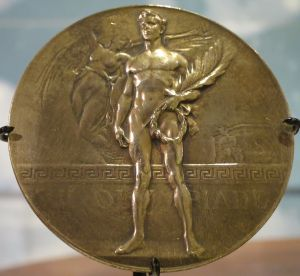 1920_summer_Olympic_gold_medal_awarded_to_Duke_Kahanamoku,_Bishop_Museum