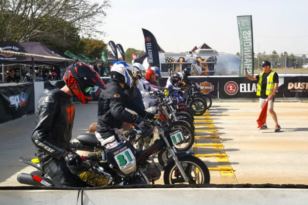 Under 21 riders at Dust Hustle 7