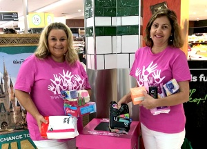 Share the Dignity volunteers at Woolworths
