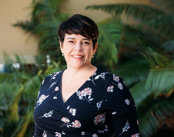 Dr Helen Petsky